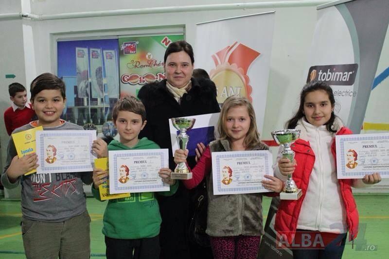 "25-ian-2014 Tobimar a premiat ""Viitorii matematicieni"" ai României"